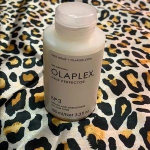 Accessories - NWOT Olaplex hair perfector
